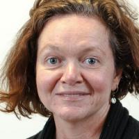 Prof Fiona Russell