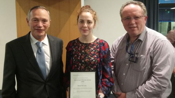 Marija Dinevska receives award for top Honours student of 2018